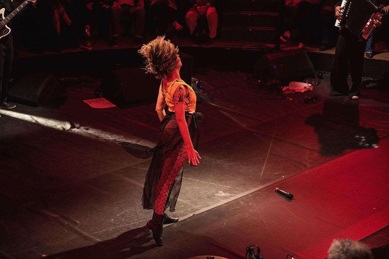 Júlia Vargas apresenta Pop Banana