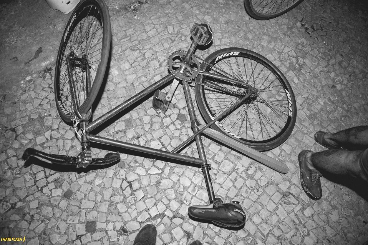 'Oroboro': o olhar de quem explora a cidade pedalando