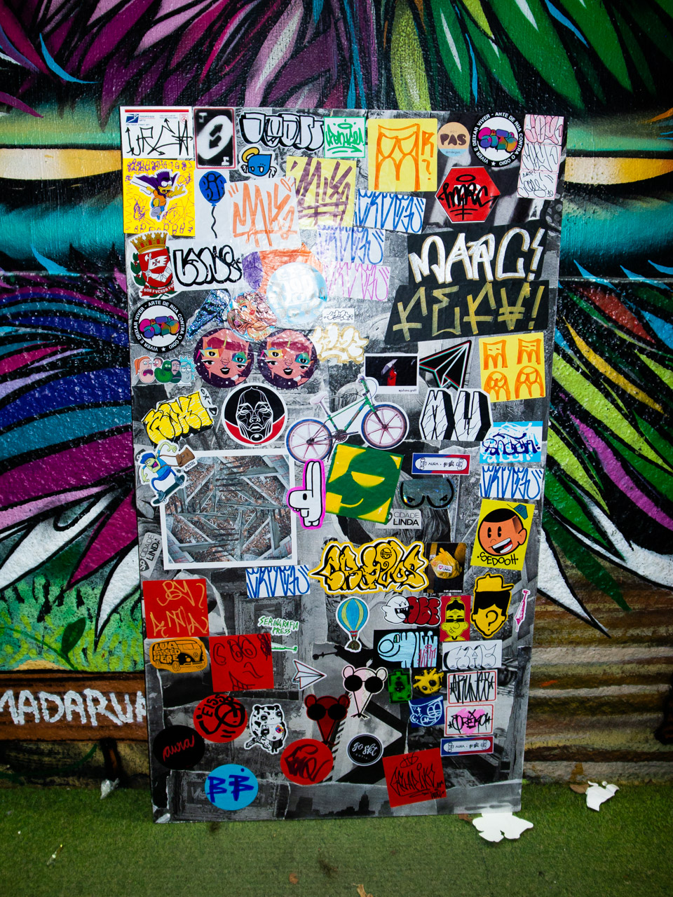 Sticker Up