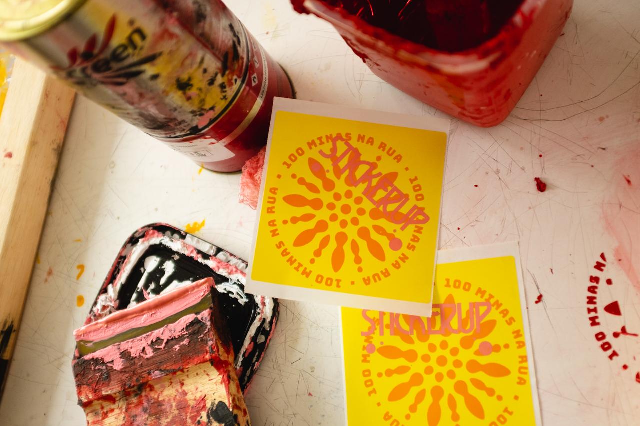 Sticker Up no 100 Minas na Rua - Virada Sustentável