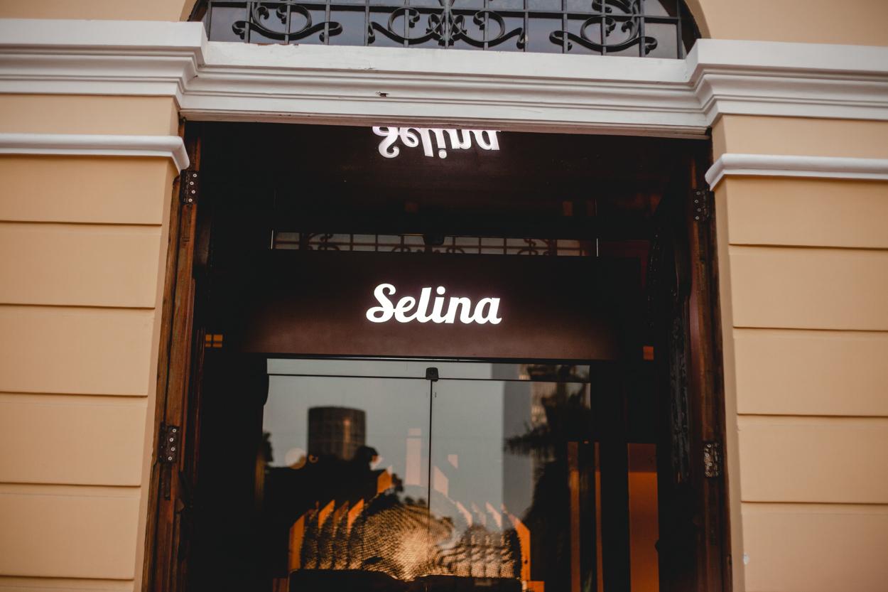 Wobble no Selina